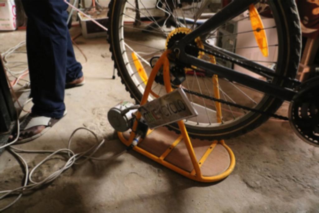 Vélo électrique avec récupération d'énergie