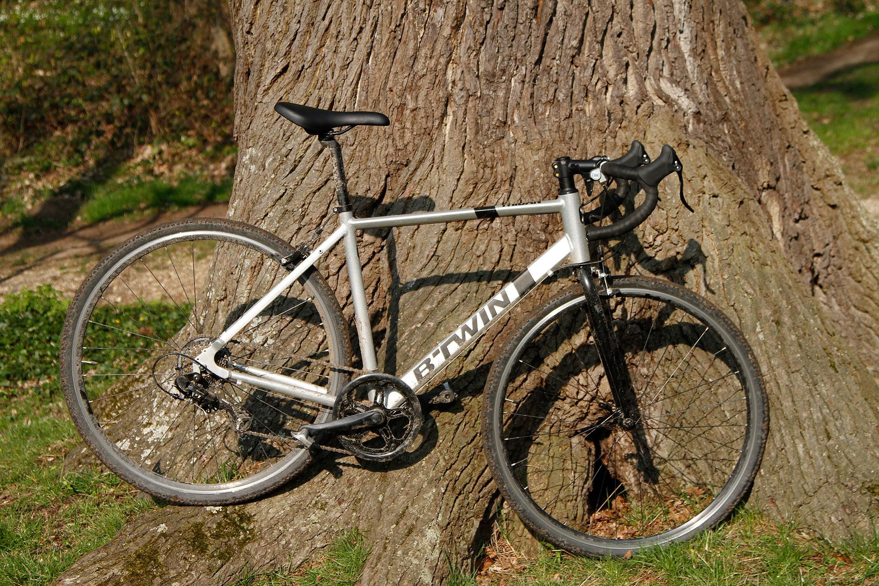 Vélo de course triban 540 occasion - monveloestunique fr