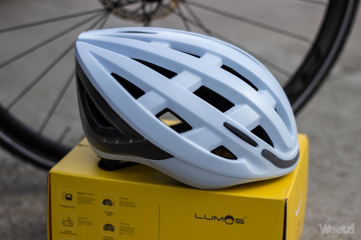 Lumos casque vélo
